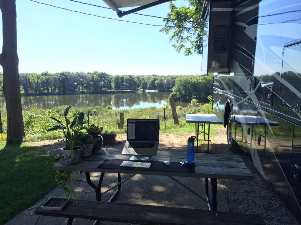 digital nomad remote work